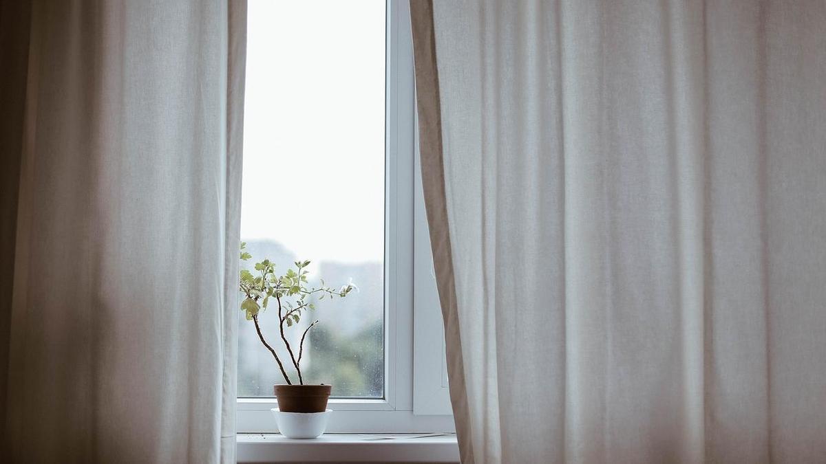 Почему потеют пластиковые окна и как с этим бороться
