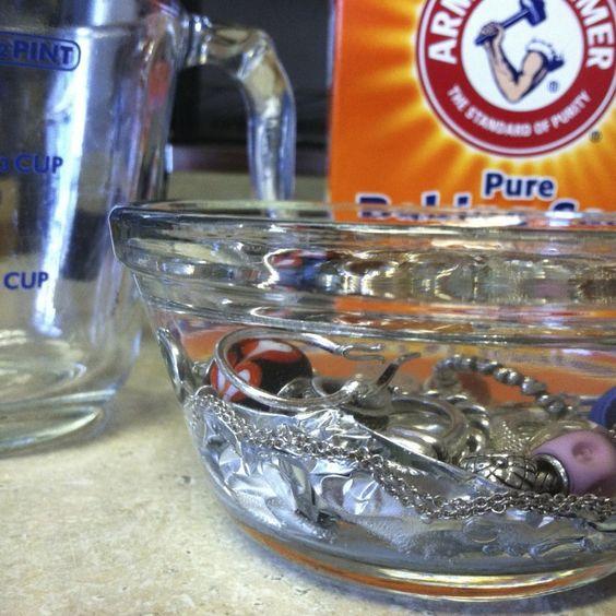 Как почистить черненое серебро в домашних условиях