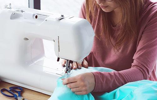 Как шить двойной иглой на машинке Janome