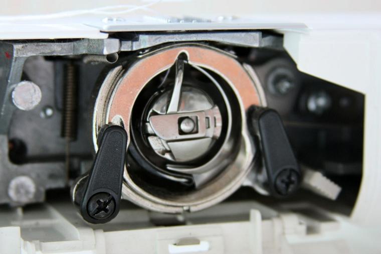 Как шить двойной иглой: особенности выбора