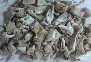 Как жарить картошку с грибами вешенками на сковороде