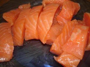 Как посолить нерку вкусно и быстро: рецепты малосольной красной рыбы