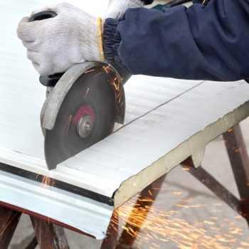 Каждый дачник должен знать, как построить бытовку своими руками