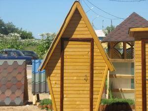 Что нужно для постройки треугольного туалета-шалаша на даче