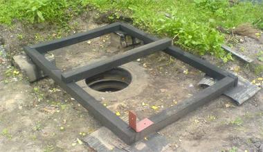 Туалет из металлопрофиля своими руками