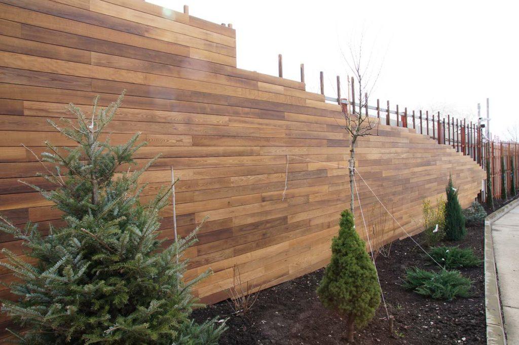 Как сделать деревянный забор; пошаговая инструкция для начинающих (50 фото идей)
