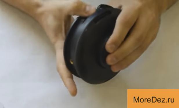 Видео: Замена лески в триммере; как намотать леску на катушку мотокосы