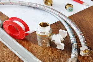 Что лучше для уплотнения резьб: ФУМ-лента или сантехнический лен