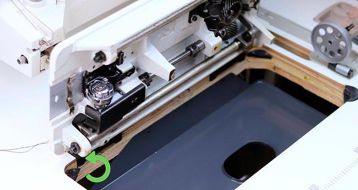 Заправка нити в швейную машинку