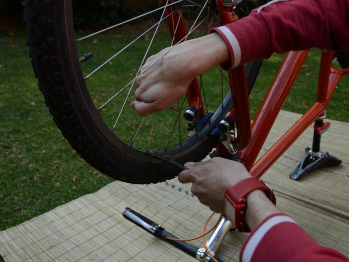 Узнаем как исправить восьмерки на колесах велосипеда - подробное описание