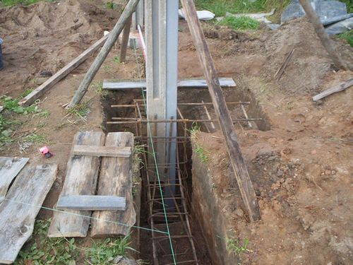 Самостоятельная установка столбов под забор