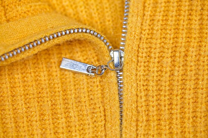 Как починить молнию на рюкзаке, куртке или джинсах: 11 удивительно простых и быстрых способов