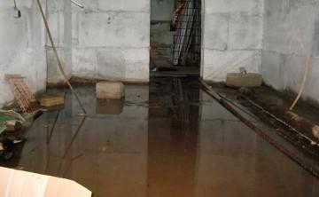 Грунтовые воды подтапливают подвал частного дома – что делать в этом случае