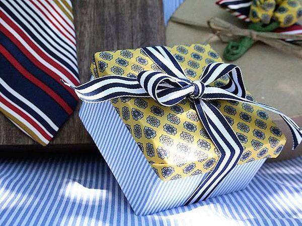 Как упаковать подарок в бумагу самостоятельно
