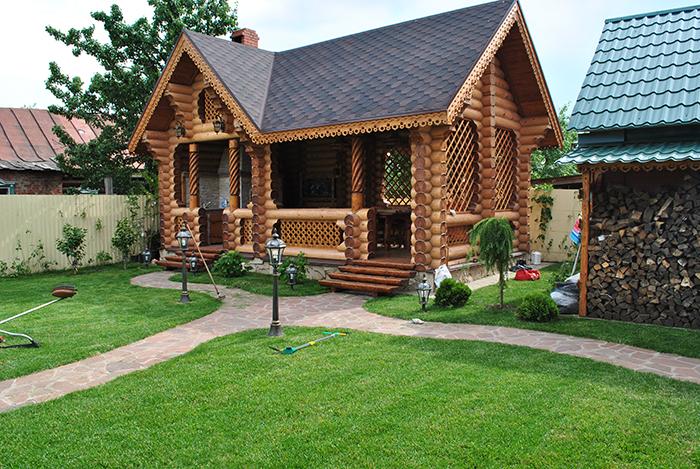 Газон в частном доме; роскошная идея озеленения