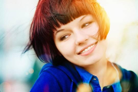 Бордовый цвет волос: инструкция по применению