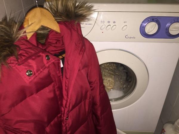 Как правильно постирать пуховик в стиральной машине