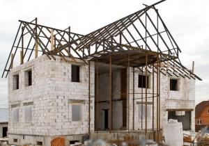 Из чего построить дом дешево и быстро для постоянного проживания