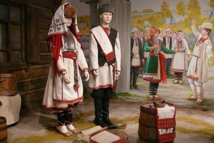 Что привезти из Крыма в подарок: топ-10 сувениров