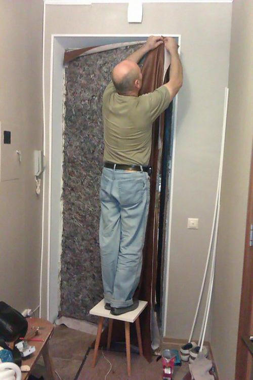 Как утеплить дверь: принципы теплоизоляции деревянной и металлической двери