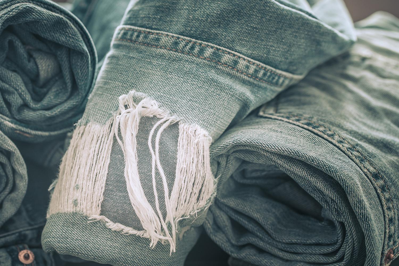 Лайфхак по подшиванию джинсов и ушиванию их в талии