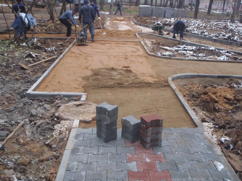 Пошаговая укладка тротуарной плитки на бетонное основание
