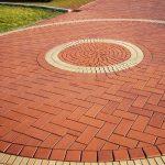 Тротуарная плитка для частного дома; красивые идеи кладки и советы новичкам в фото-обзоре