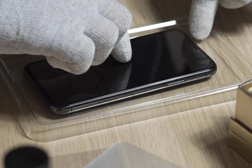 Как самому наклеить защитное стекло на iPhone