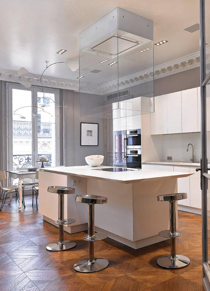 Потолочный плинтус — верный выбор для завершения качественного ремонта