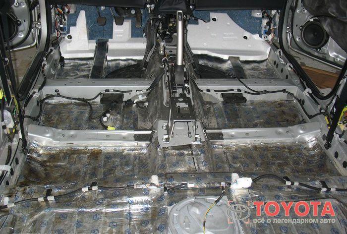 Делаем шумоизоляцию Тойота Аурис (Toyota Auris) своими руками