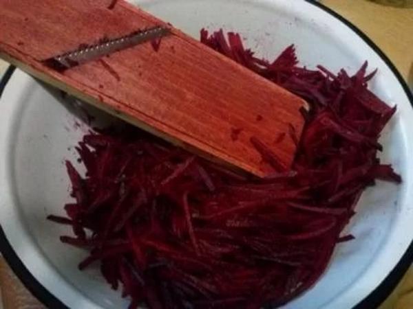 Салат свекла капуста морковь картошка мясо