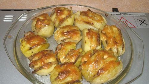 Рецепт как приготовить картошку в мундире в микроволновке