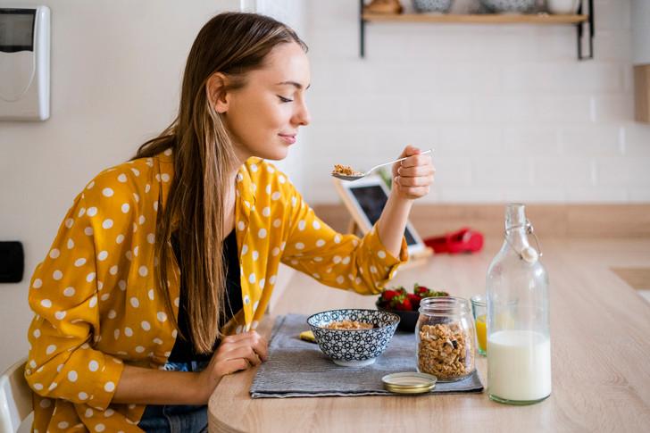 Что приготовить на завтрак: 8 здоровых идей и 1 вредная