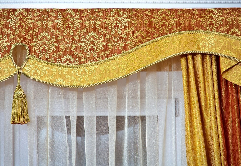 Как правильно вешать шторы с ламбрекеном