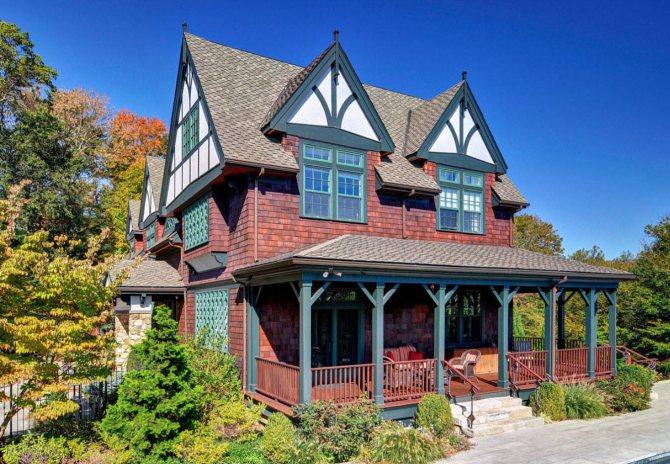 Двухэтажный дом с мансардой: фото стильных вариантов