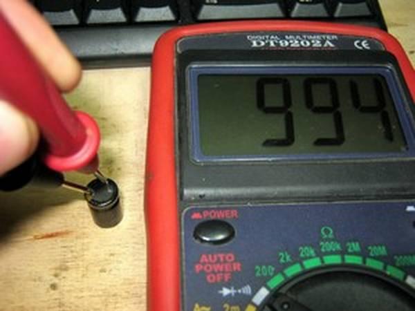 Как проверить конденсатор мультиметром: простые методы