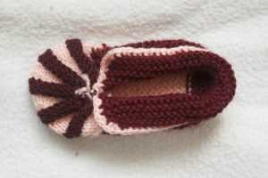 Пошаговые мастер-классы вязания пинеток зефирок спицами для малышей