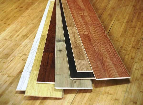Особенности выбора и крепления ламината на потолок: этапы работы с материалом