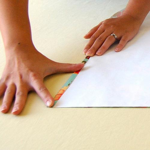 Упаковка подарков своими руками: как сделать коробку, обернуть ее бумагой и завязать красивый бант