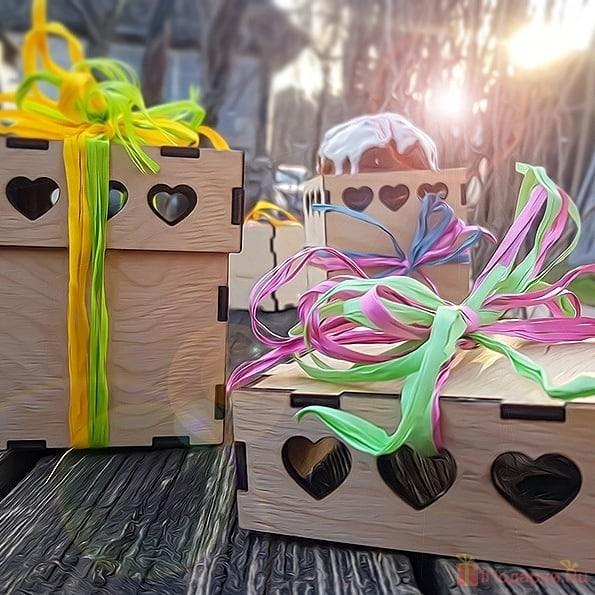 Как упаковать подарок с помощью специального и подручного материала