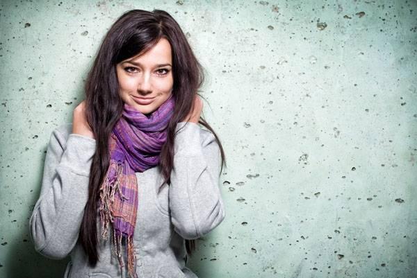 10 способов, как носить шарф зимой: с пальто, с пуховиком, с капюшоном