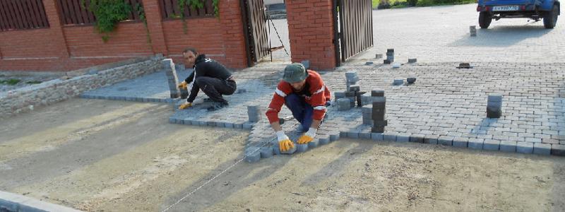 Как класть тротуарную плитку на даче: тонкости и нюансы процесса