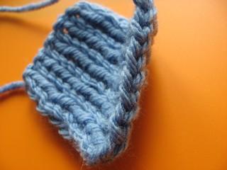 Закрытие петель резинки 1; 1 спицами – вариант для классических петель