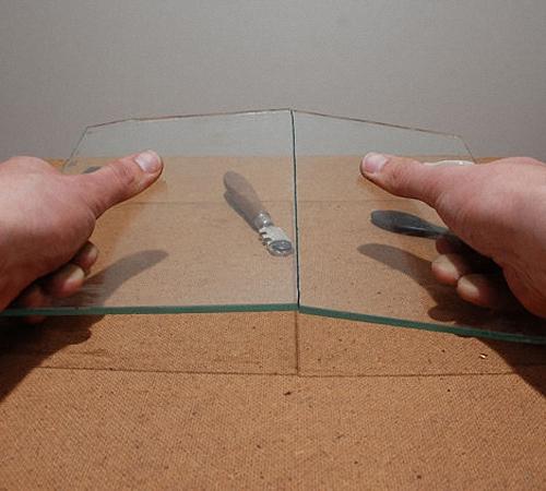 Как резать стекло стеклорезом в домашних условиях — этапы с фото