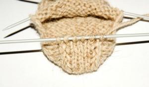 Носки спицами для начинающих с пошаговым описанием; находка новичка