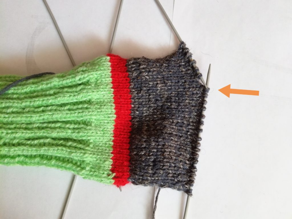 Как быстро и красиво связать носки спицами