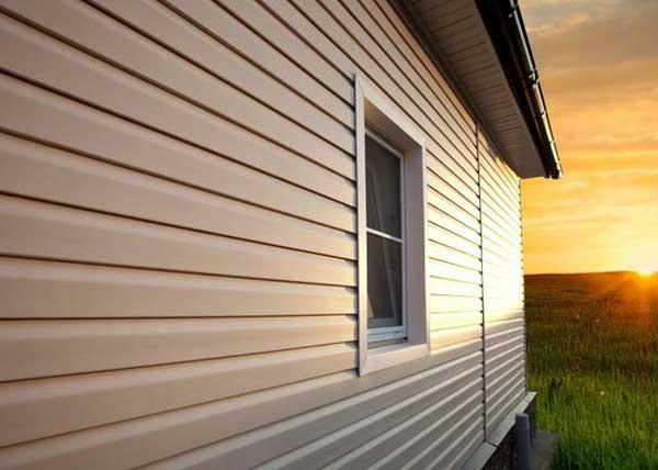 Отделка дома снаружи: как обшить дом сайдингом с утеплителем своими руками поэтапно: видео и фото