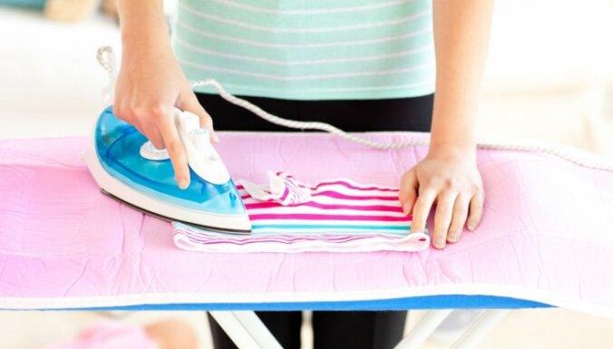 Как очистить подошву утюга в домашних условиях — с фото