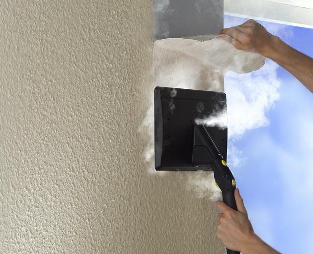 Как быстро очистить стену от обоев