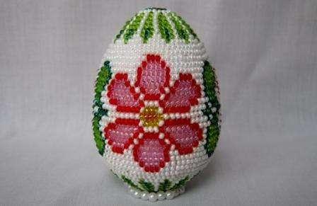 Плетение пасхальных яиц из бисера